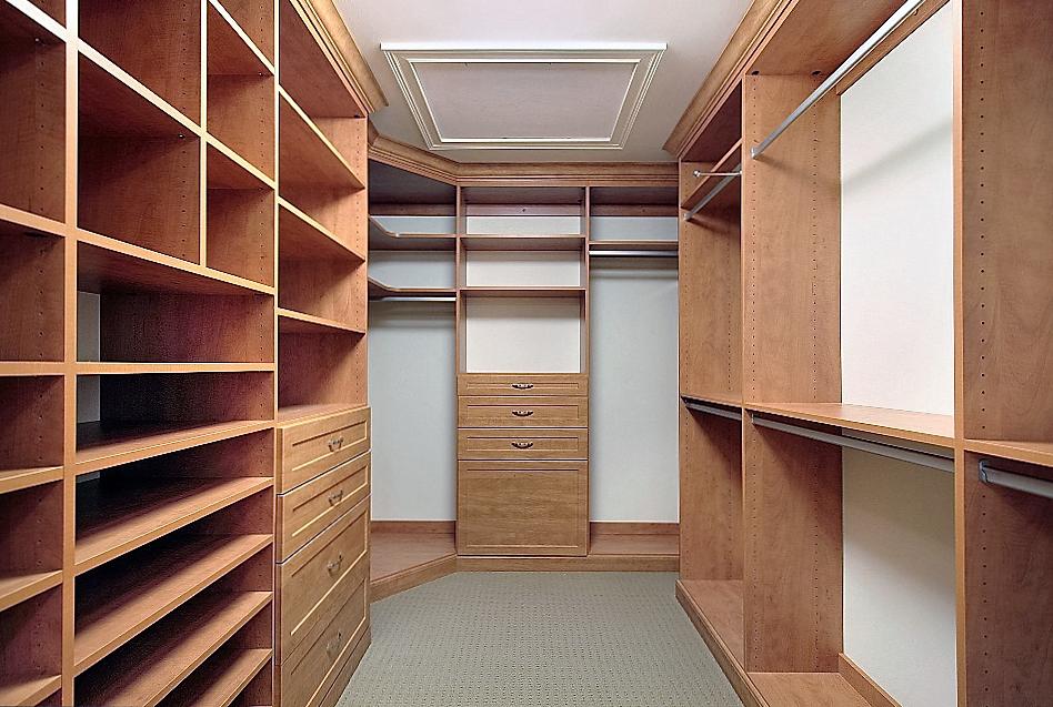 отделка стен гардеробной комнате