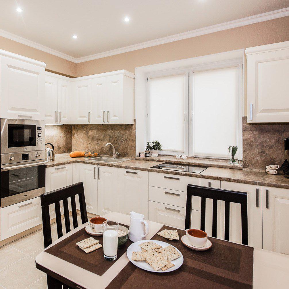 Кухня в светлых тонах дизайн фото